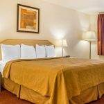 Quality Inn & Suites Lake Havasu King Bed with Whirlpool Tub