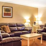 Quality Inn & Suites Lake Havasu Suite Living Room